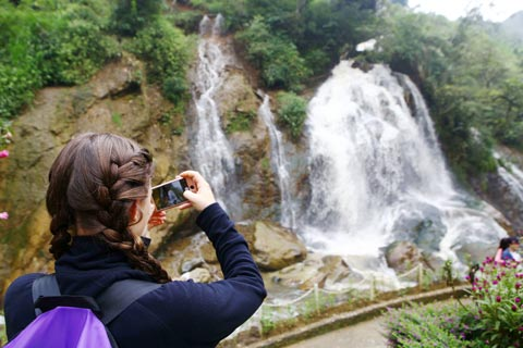 Sapa Tour: Cat Cat, Silver Waterfall, Love Waterfall and transfer by Bus